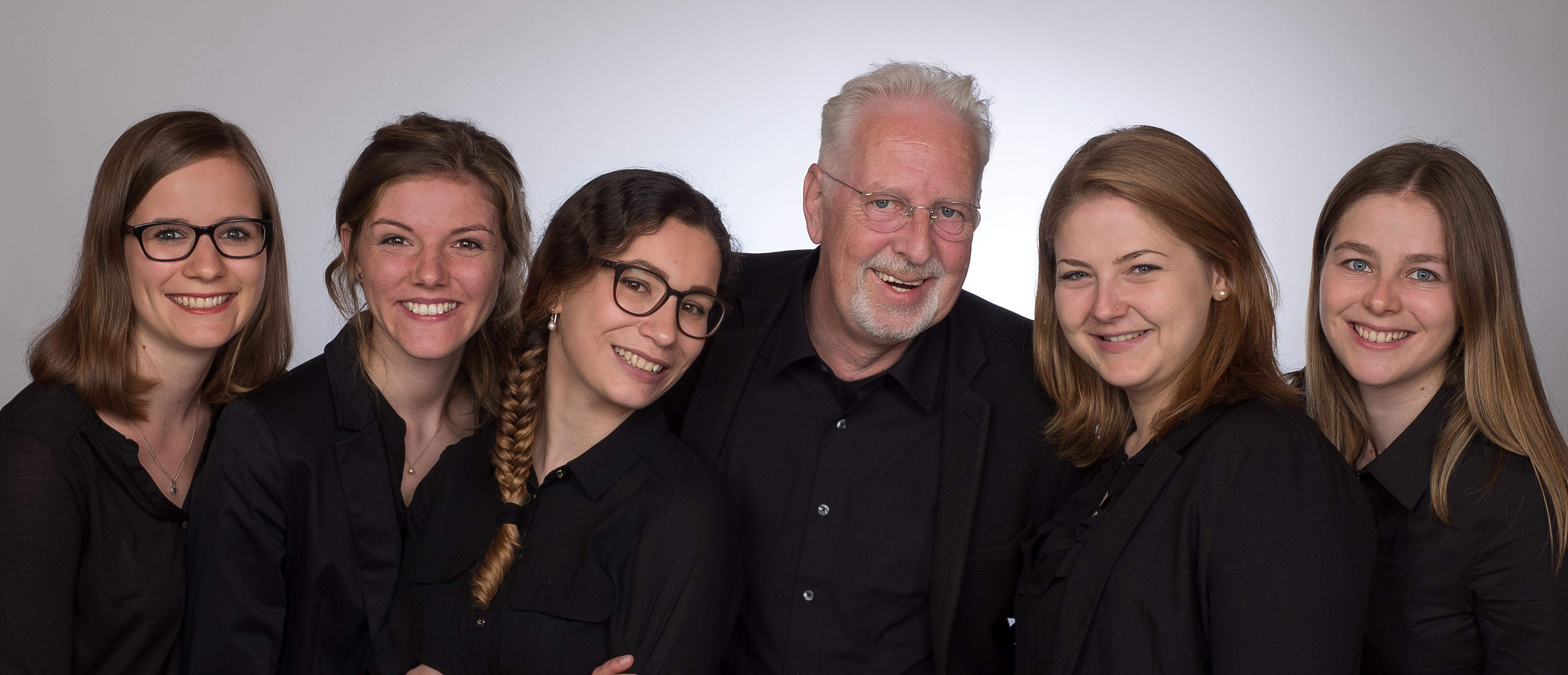 Das Team von Eckert-Seminare wünscht Ihnen ein schönes Fest!